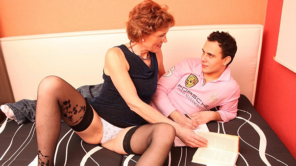 Student Sexually Disturbed By Horny Mature In Stockings